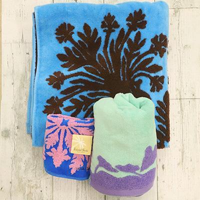 キャシー中島のオリジナルタオル3枚セット(寒色系・暖色系)とマスクキット(3個)セットの返納品画像イメージ