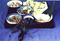 赤飯、季節の野菜を使ったご馳走