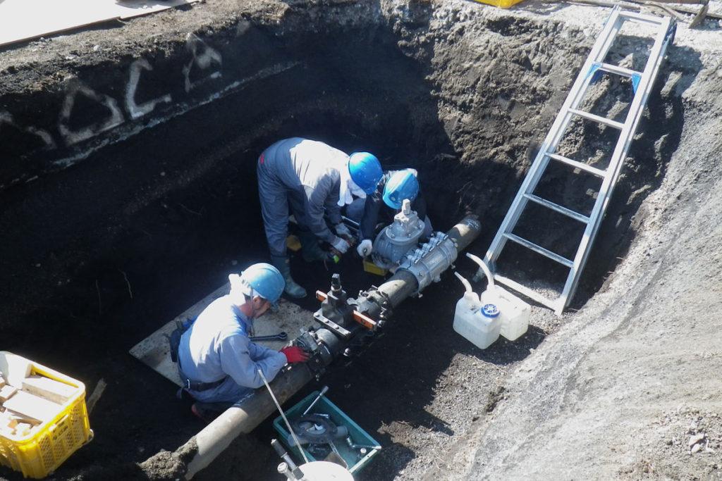 配水管埋設工事